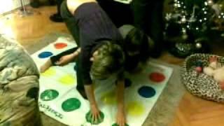 getlinkyoutube.com-Twister Game