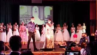 getlinkyoutube.com-Karisma Kapoor | Dancing At Touch The Soul 2016 | I Love You Bol Daal