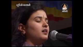 getlinkyoutube.com-Mann Mor Bani Thangat Kare - Poonam Gondaliya - Ghumli Live Programme
