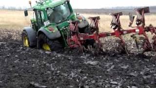 John Deere 6920 - 8330 Stuck