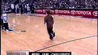 getlinkyoutube.com-Crazy KId Slam Dunk Contest