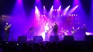 getlinkyoutube.com-Enfin le duo que tout le monde attendait... Manolo & Nicolas Reyes (Gypsy Kings) - Olympia 2012