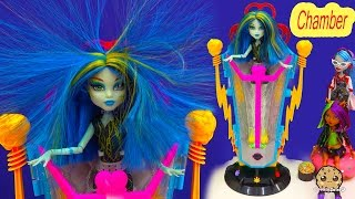 getlinkyoutube.com-Monster High Freaky Fusion Recharge Chamber Hair Shocking with Exclusive Frankie Stein Doll Playset