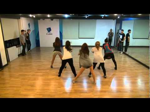 HYUNA 'BUBBLE POP!' Practice video