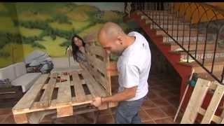 getlinkyoutube.com-Bricolage con palets. Fabrica sofás y mesas con la Escuela Asturiana de Surf.