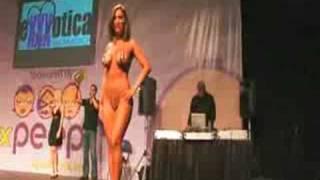 getlinkyoutube.com-Miss Exxxotica XXX