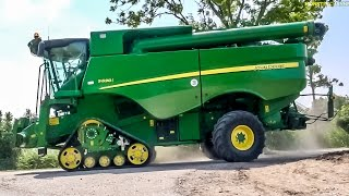 getlinkyoutube.com-Monster machine! New John Deere combine harvester S 690 i at work!