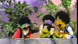 getlinkyoutube.com-Sesame Street   Bob Reads Cooperation Brothers