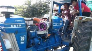 getlinkyoutube.com-รถไถซิ่งแห่กฐินที่สุโขทัย Tractor ford 6610 Big turbo By. Lek Modify