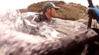 getlinkyoutube.com-ヒラスズキ 激磯部 Vol.005 【Gopro】 Rockshore lure fishing