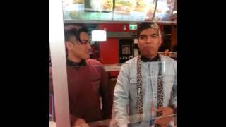 getlinkyoutube.com-Genesis Beatboxing at KFC