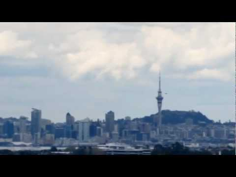Breaking News UFO Sightings Flying Saucer Over East Coast Road, Auckland? September 20 2012