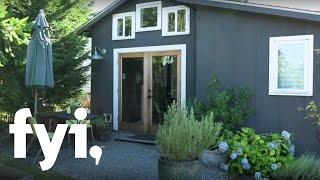 getlinkyoutube.com-Tiny House Nation: A Tour of Minimalist Living (S1, E6) | FYI
