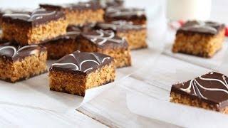getlinkyoutube.com-Petits gâteaux marbrés au chocolat et cacahuètes / Penaut chocolate bars recipe / حلوة الرخامة