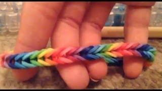 getlinkyoutube.com-How to make a fishtail rainbow loom bracelet