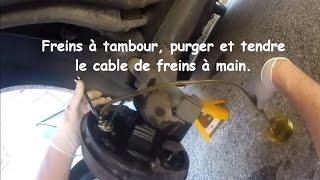 getlinkyoutube.com-Freins à tambour, purger et tendre le cable de freins à main