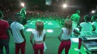 getlinkyoutube.com-Diamond Platnumz (Dar es Salaam, Tanzania Live Concert) - 25th December 2014
