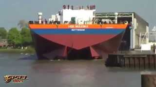 getlinkyoutube.com-Awesome big ship launches