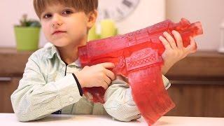 getlinkyoutube.com-Gummy Nerf Gun - Don't Mess with Daddy