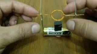 getlinkyoutube.com-Простой самодельный электромотор (Simple homemade electric motor)