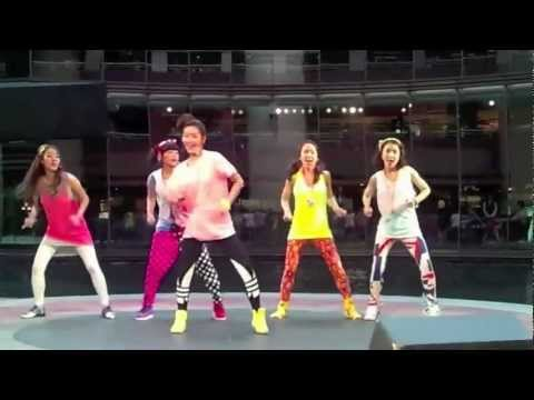 Crayon Pop - Saturday Night mirror dance (fancam)