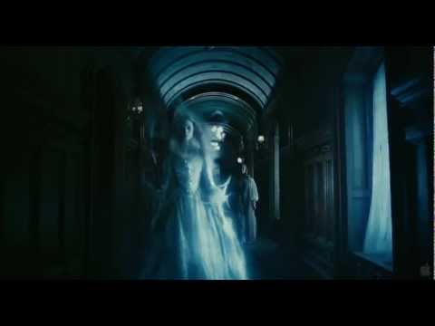 Tim Burton's Dark Shadows Trailer HD720