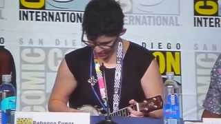 getlinkyoutube.com-Rebecca Sugar and Olivia Olson sing Everything Stays SDCC 2015