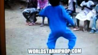 getlinkyoutube.com-little african boy dancing
