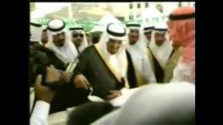 NOORI MEHFIL PE CHADAR TANI NOOR KI by SIDIQUE ISMAIL - YouTube.flv width=