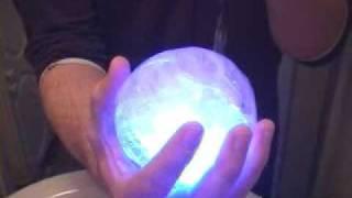 getlinkyoutube.com-คลิป มาทำลูกบอลน้ำแข็งเรืองแสงเล่นกันเหอะ