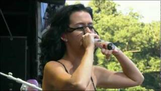 getlinkyoutube.com-Katy Perry - Hot N Cold Live 2010