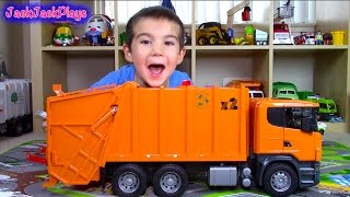 getlinkyoutube.com-Bruder Scania Garbage Truck Surprise Toy UNBOXING: Playing Recycling