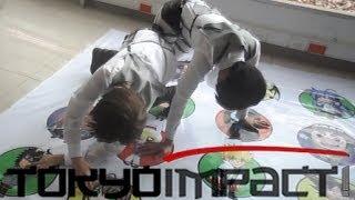 getlinkyoutube.com-Eren y Levi en el Tokyo Impact
