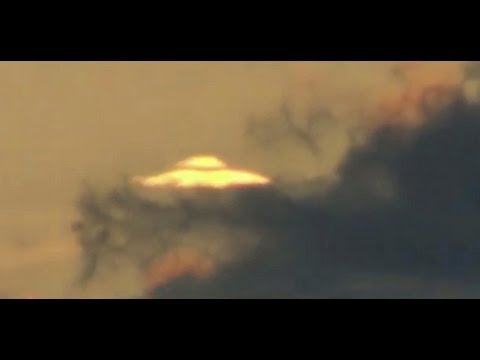 UFO MotherShip Hidden in the Clouds Real* Ovni Madre Nodriza 27/03/2012 Argentina
