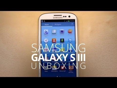 Samsung Galaxy S III Unboxing! -v-JJnie7nUE