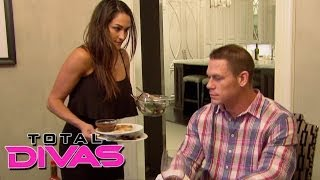 getlinkyoutube.com-Nikki Bella prepares dinner for John Cena: Total Divas, December 1, 2013