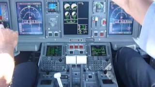 getlinkyoutube.com-Decolagem RWY15 VCP -GYN Embraer E195 Azul - (COCKPIT)