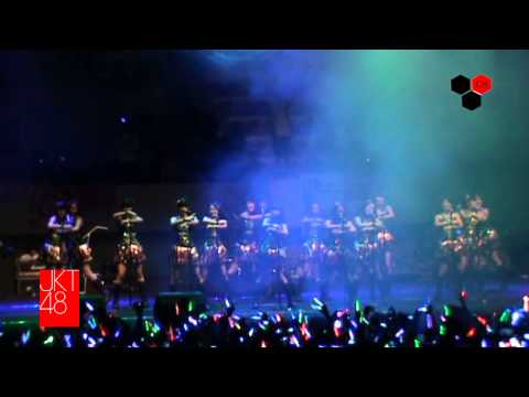 JKT48 @GOR UNY-Heavy Rotation #Earth Day Fest 20.04.2013
