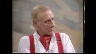 getlinkyoutube.com-Spike Milligan deals with a gatecrasher on live TV