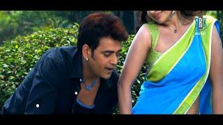 getlinkyoutube.com-Saari Ratiya Pheri Karvatiya | Hot Bhojpuri Movie Romantic Song