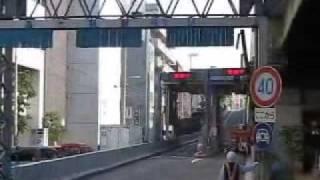 getlinkyoutube.com-阪神高速コンテナトレーラー横転事故