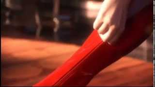 getlinkyoutube.com-Smallville, Elise Gatien - red boots zipping up