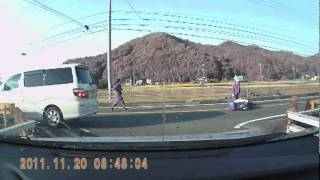getlinkyoutube.com-CRASH事故の瞬間 バイクが車と衝突!