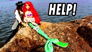 getlinkyoutube.com-Ariel The Little Mermaid Kidnapped & Saved by Frozen Elsa Anna From Villain. Disney Princess Parody