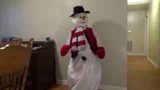 getlinkyoutube.com-Gemmy Animated Life-Size 5ft Dancing Snowman (Restoration)