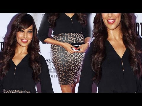 Black Beauty Bipasha Basu Sexy Curve Figure In Black Outfit
