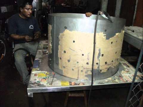 fabricacion  super  peladora de pollos. inoxidables cordova .wmv