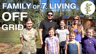 getlinkyoutube.com-Family of 7 Living Completely Off-Grid in Northern Canada!