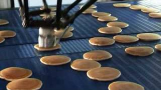 getlinkyoutube.com-High Speed Pancake stacking with Flexpicker Robots