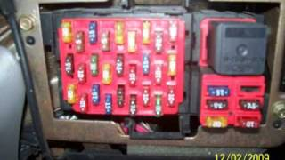 99 lincoln town car fuse box example electrical wiring diagram \u2022 2007 crown victoria fuse box diagram 2000 lincoln towncar fuse relay diagram youtube rh youtube com 1999 lincoln fuse box diagram 1999 lincoln town car fuse box
